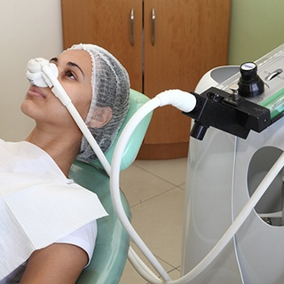 Nitrous oxide decreases anxiety in patients