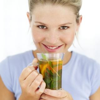 Chá-Verde deixa dentes e gengivas mais saudáveis