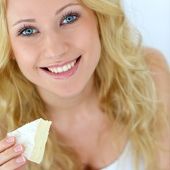 Comer queijo pode ajudar a evitar a cárie dental